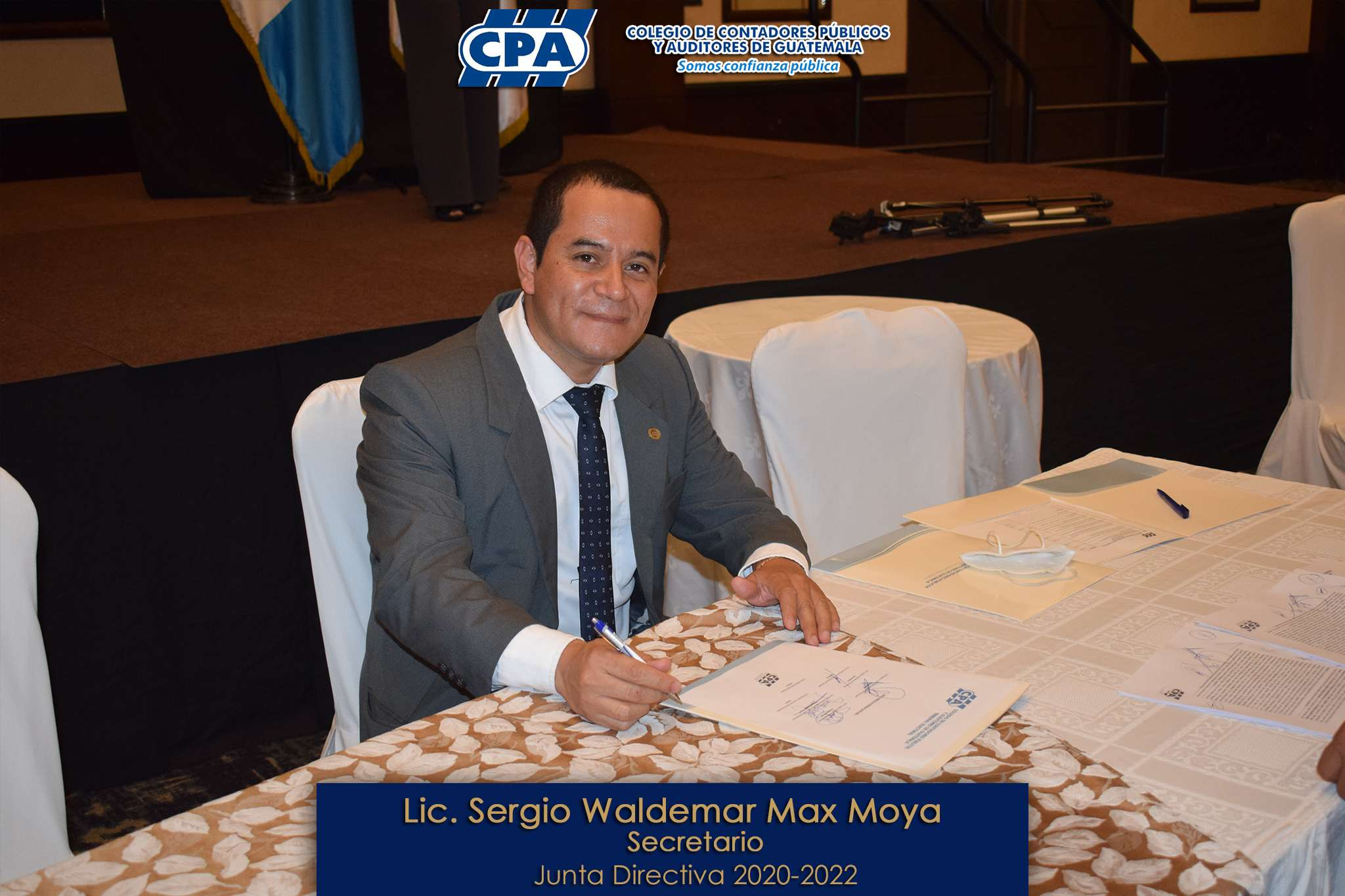 Lic Sergio Waldemar Max Moya